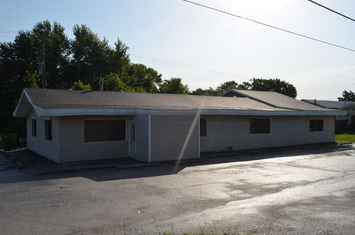 874 West Commercial Street, Mansfield, MO 65704
