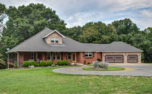 1523 North East Ridge Drive, Strafford, MO 65757