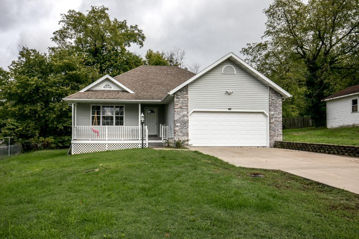 640 North Buffalo Street, Marshfield, MO 65706
