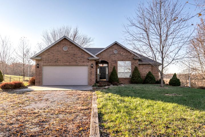 154 Crown Drive, Marshfield, MO 65706