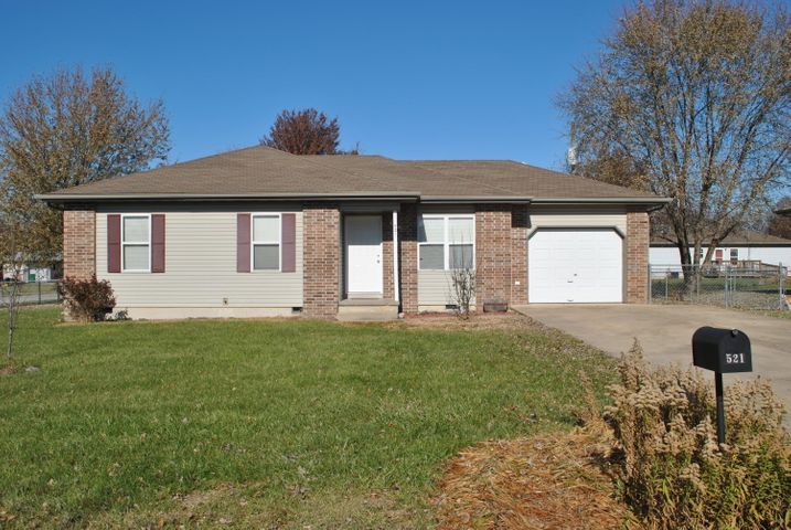 521 Travis Street, Marshfield, MO 65706