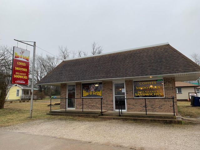 325 West Commercial Street, Mansfield, MO 65704