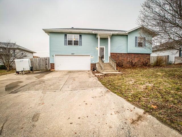 2607 South Lilac Street, Ozark, MO 65721