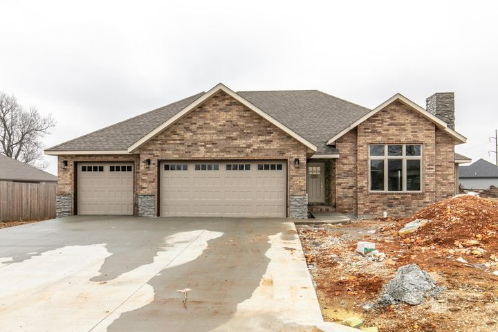 5746 East Park Place, Strafford, MO 65757