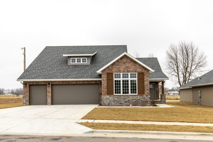 5603 East Park Place, Strafford, MO 65757