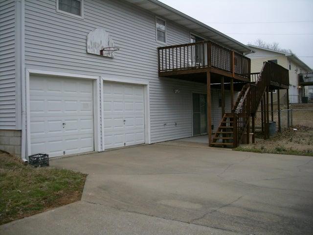 3140 North Kellett Avenue, Springfield, MO 65803