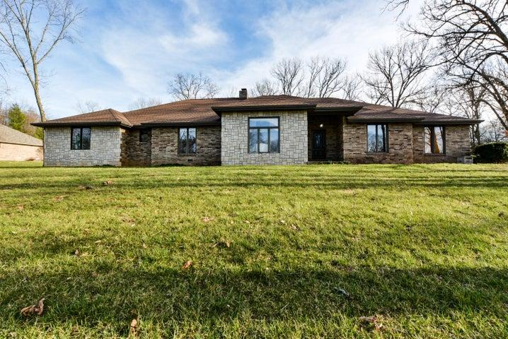 3420 South Woodland Trail Avenue, Springfield, MO 65809