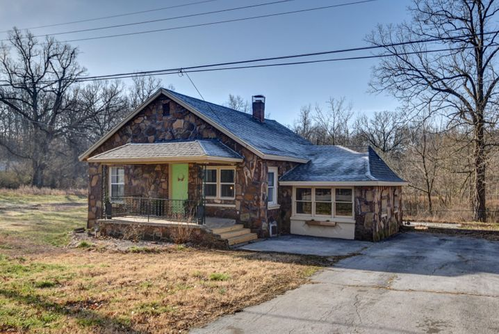 2074 West Farm Rd 92, Springfield, MO 65803