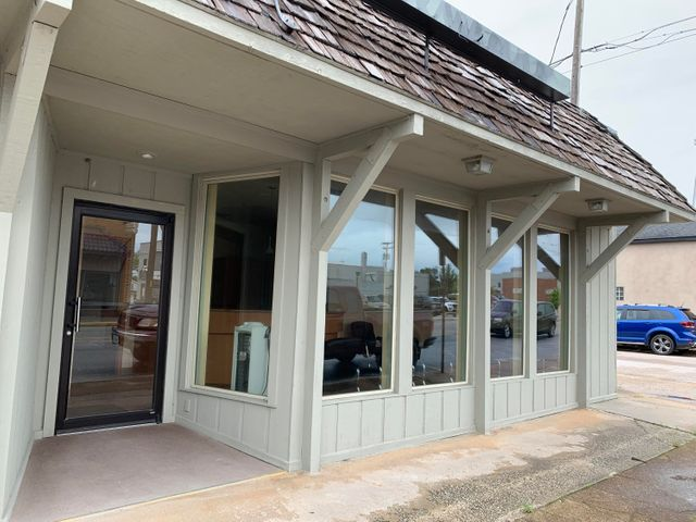 Commercial for sale – 121 North Main   Bolivar, MO
