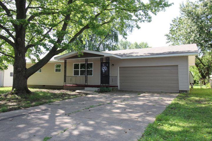 2752 West Chicago Street, Springfield, MO 65803