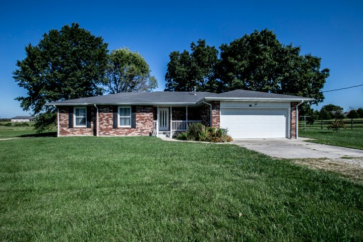 740 Hillside Loop, Marshfield, MO 65706