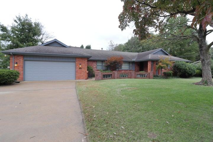 2664 South Edgewater Drive, Springfield, MO 65804