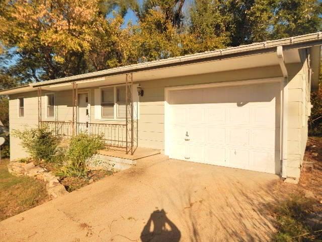 Residential for sale –  Ava,