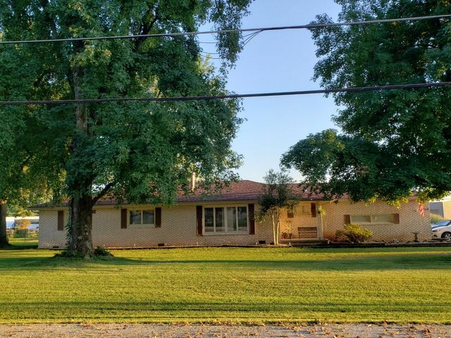 708 West Bluegrass Road, Strafford, MO 65757