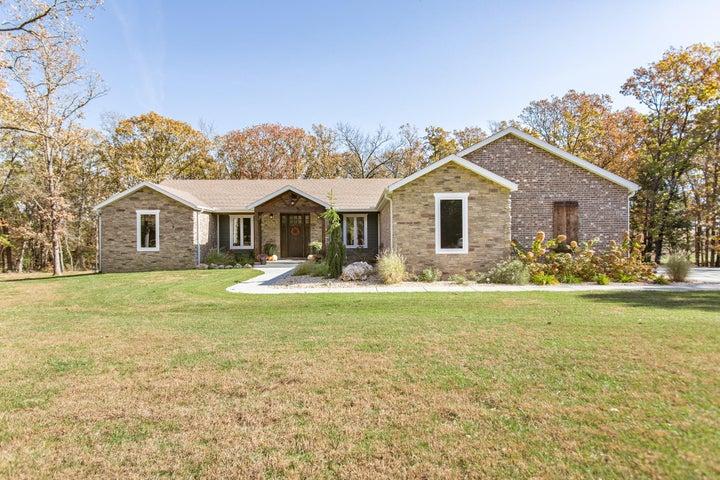 207 Country Club Drive, Marshfield, MO 65706