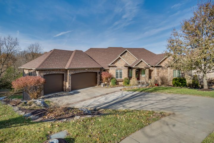 3354 West Valley Vista Court, Springfield, MO 65810