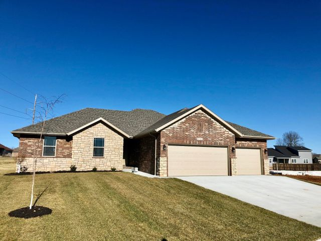 5721 East Pearson Parkway, Strafford, MO 65757