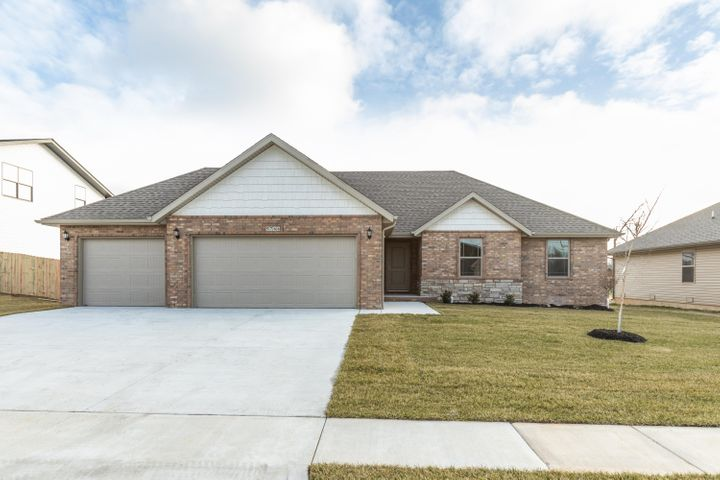 5766 East Pearson Parkway, Strafford, MO 65757