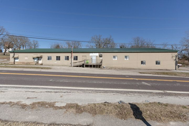 845 East Commercial Street, Mansfield, MO 65704