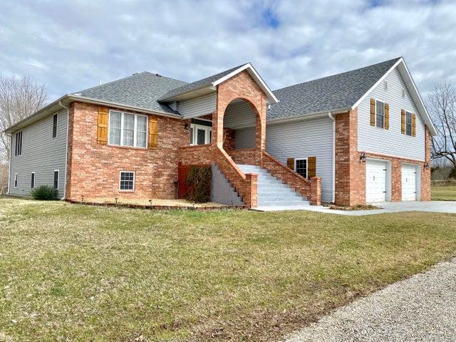 5627 East Farm Rd 68, Strafford, MO 65757