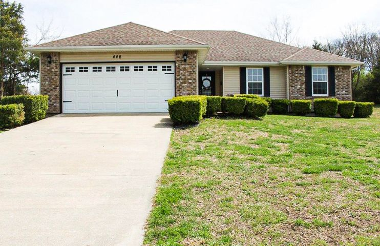 446 Creekside Place, Marshfield, MO 65706