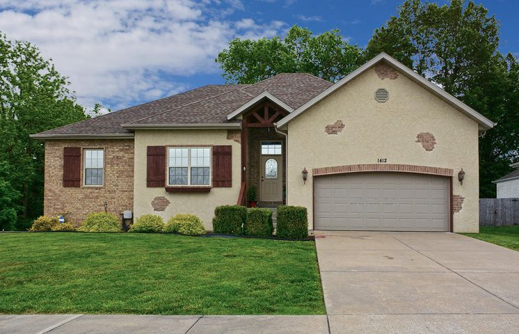 1412 South Casa Grande Avenue, Springfield, MO 65802