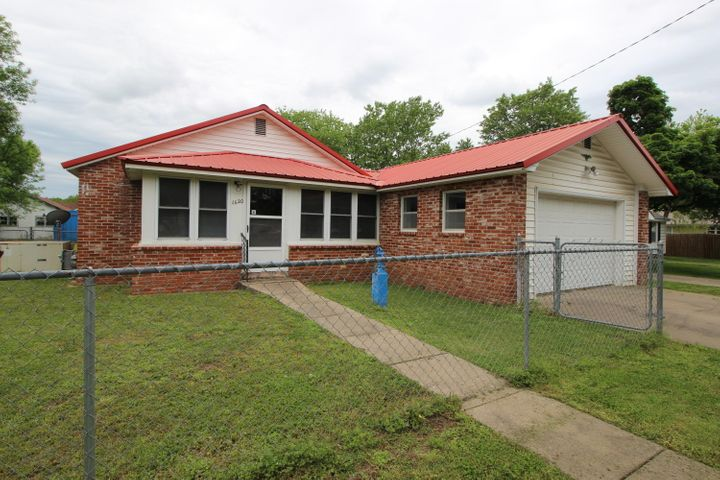 1620 Roark Avenue, Seneca, MO 64865