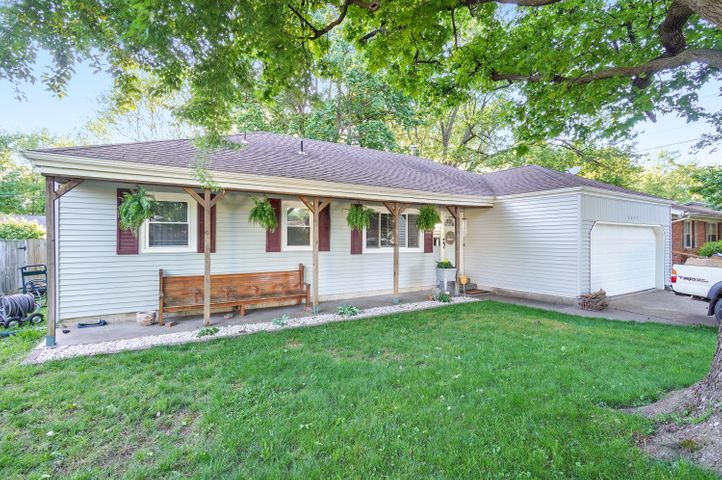 2435 South Westwood Avenue, Springfield, MO 65807