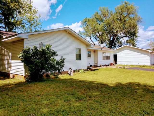 15519 Us Highway 160, Gainesville, MO 65655