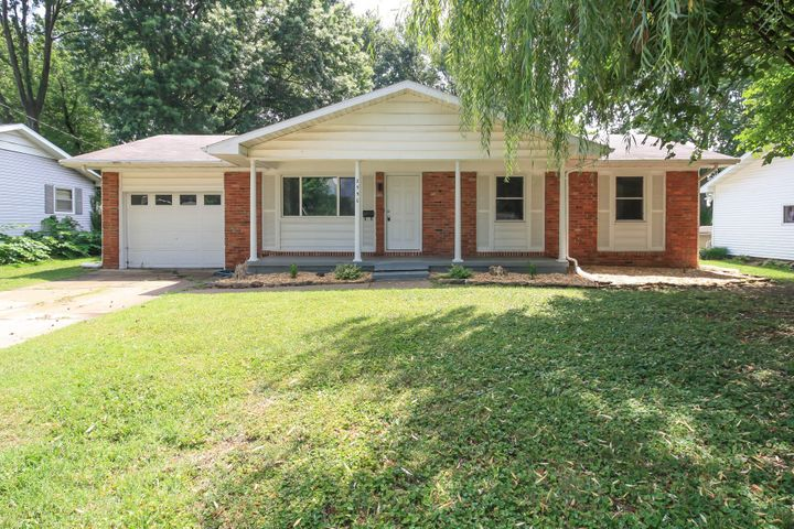 2550 South Westwood Avenue, Springfield, MO 65807