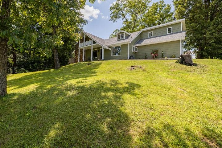 6761 North Farm Rd 203, Strafford, MO 65757