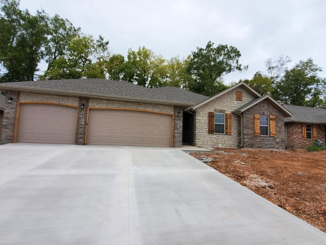 1301 South Mulberry Lane, Springfield, MO 65802