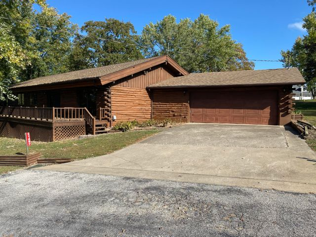 21497 East East Winds Road, Hermitage, MO 65668