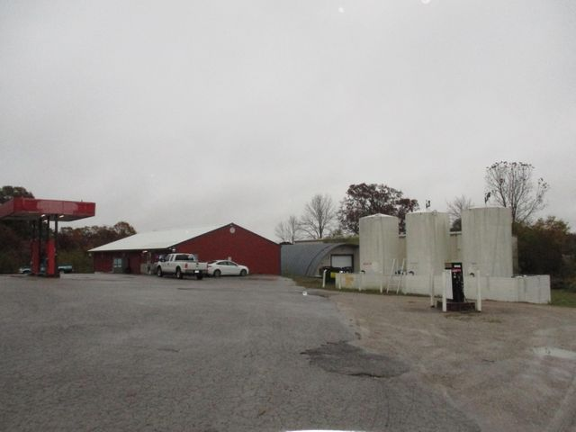 7198 East Highway 160, West Plains, MO 65775