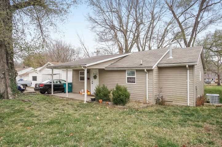 3006 West Lincoln Street, Springfield, MO 65802