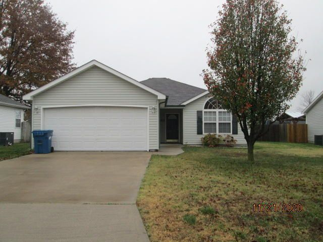 1608 Logan Drive, Webb City, MO 64870