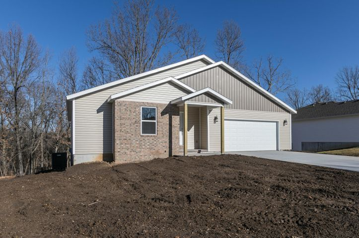 1670 Westbrook Street, Marshfield, MO 65706