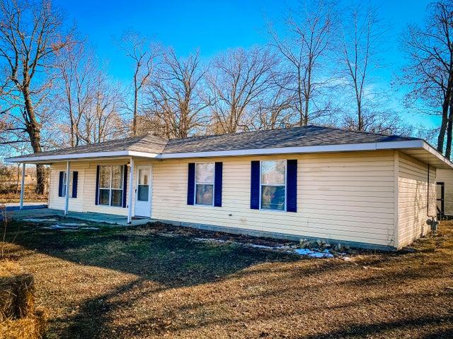 1016 Forest Cir Drive, Cassville, MO 65625