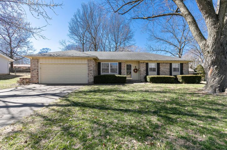 3505 South Parkhill Avenue, Springfield, MO 65807