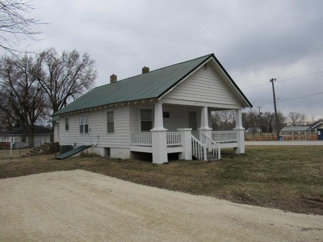 605 South Pine Street, Marshfield, MO 65706