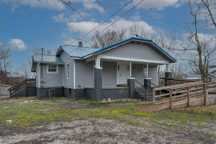 2735 North Fort Avenue, Springfield, MO 65803