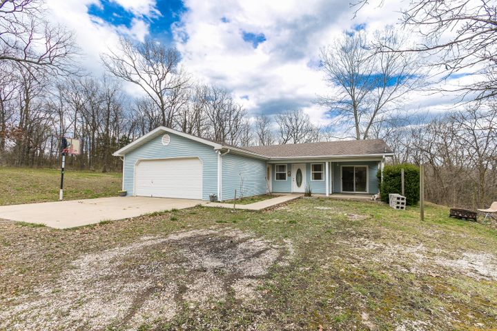 3822 North Royal Mountain Lane Lane, Bolivar, MO 65613