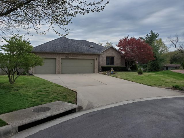 3544 South Valleyview Avenue, Springfield, MO 65804