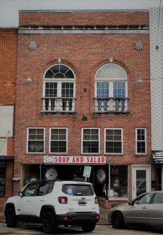 Commercial for sale – 104 East Jackson   Bolivar, MO