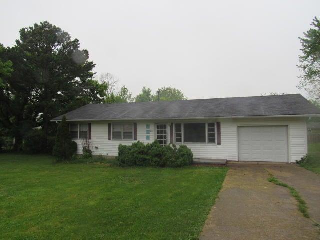 210 East Tripp Street, Mansfield, MO 65704