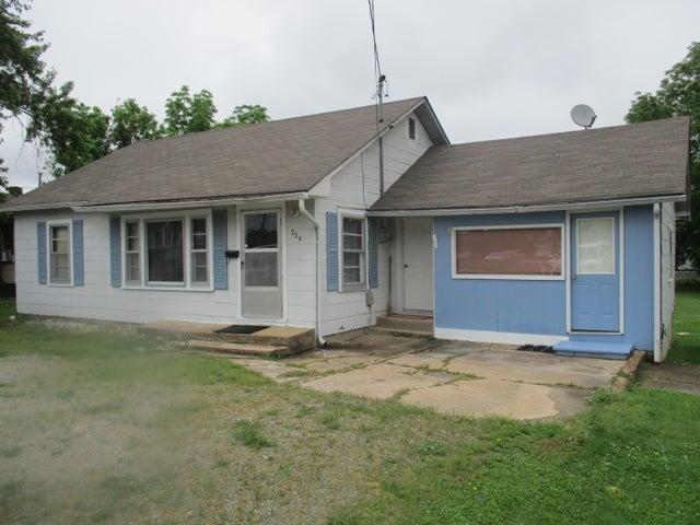 724 Missouri Avenue, West Plains, MO 65775