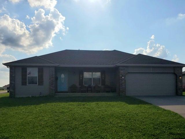 213 North Lake Avenue, Clever, MO 65631