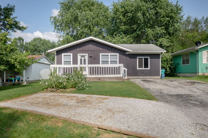 1648 North Yates Avenue, Springfield, MO 65803