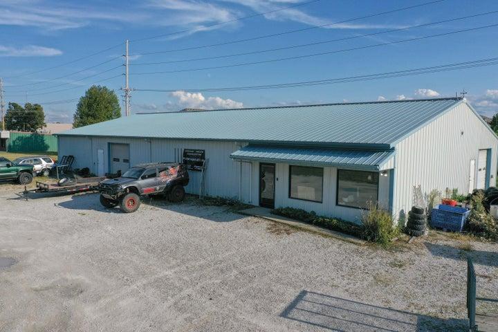1342 West Schatz Lane, Nixa, MO 65714