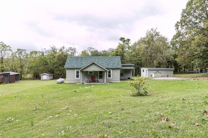 2648 West Farm Rd 80, Springfield, MO 65803